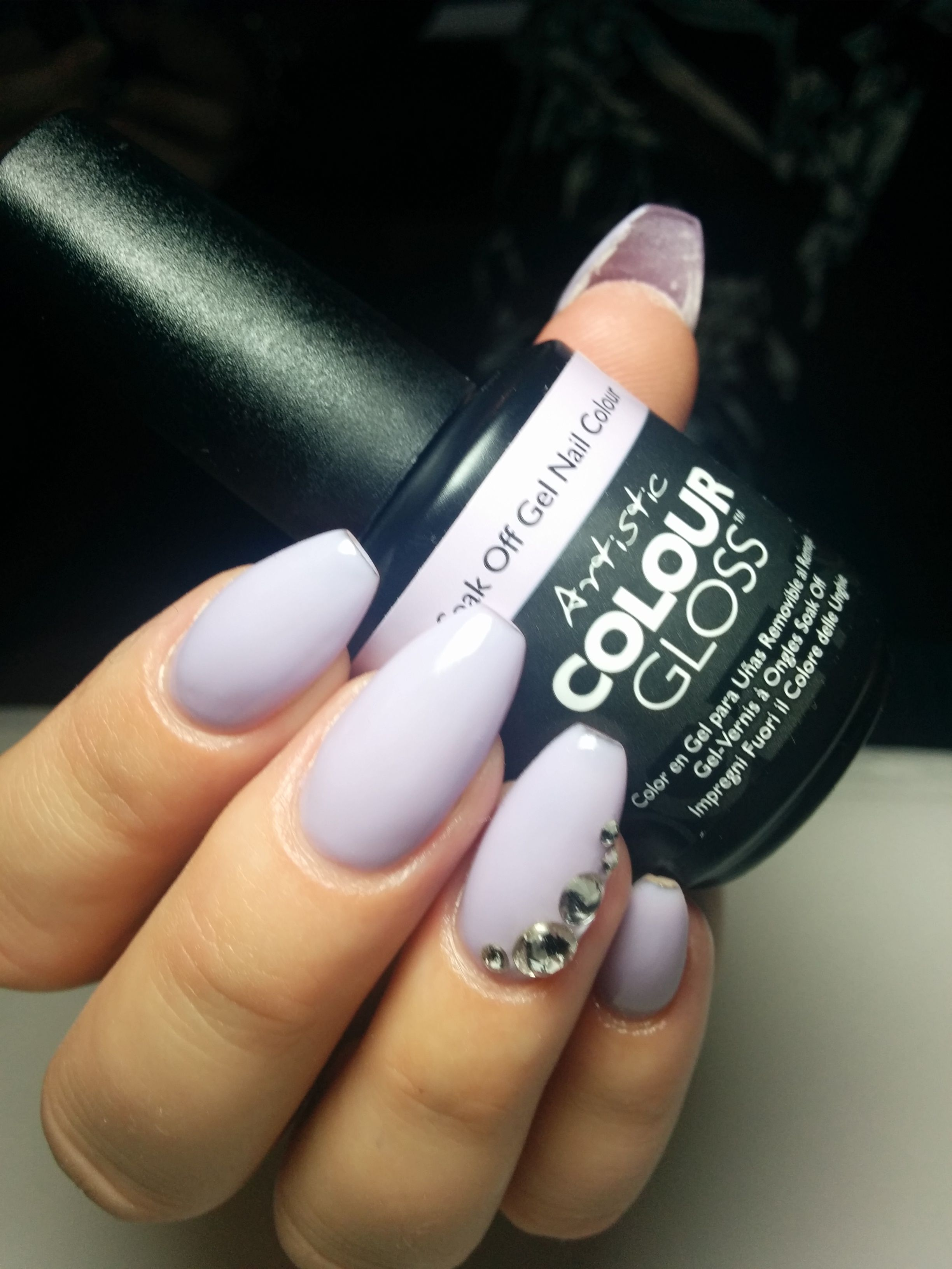 Loving these coffin / ballerinanails nails with a little