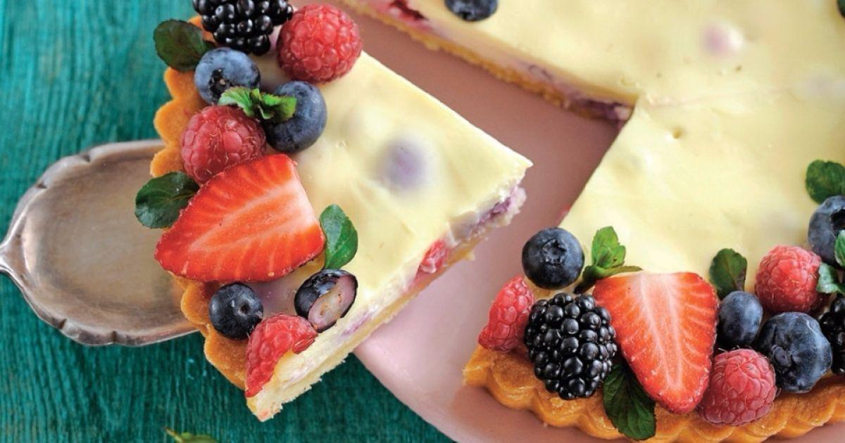 Pripravte si recept na Pudingová torta s lesným ovocím s nami. Pudingová torta s lesným ovocím patrí medzi najobľúbenejšie recepty. Zoznam tých najlepších receptov na online kuchárke RECEPTY.sk.