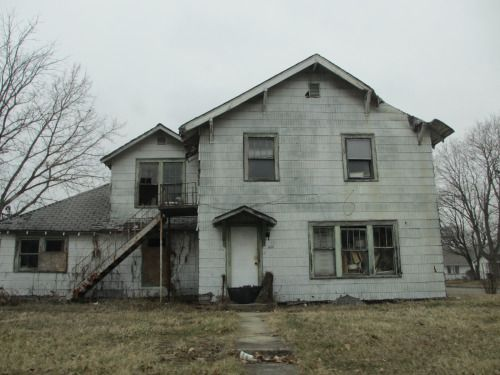 Abandoned house, North Madison Avenue, Anderson, Indiana by Paul McClure