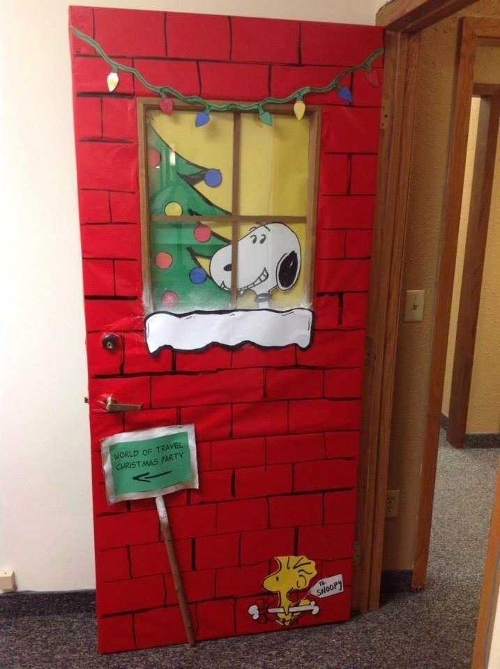 Snoopy Christmas door - #christmas #snoopy - #new #christmasdoordecorationsforschool