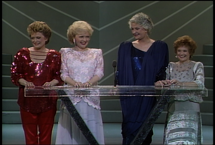 Golden girls bea arthur rue mcclanahan estelle getty for How old was betty white in golden girls