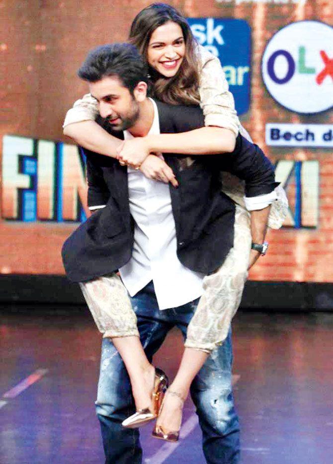 Ranbir Kapoor Gives Piggyback Ride To Deepika Padukone Deepika Padukone Ranbir Kapoor Deepika Ranveer