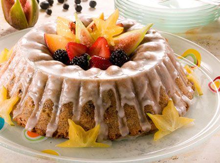 Bolo de Frutas Royal - http://cybercook.terra.com.br/receita-de-bolo-de-frutas-royal-r-12-13596.html