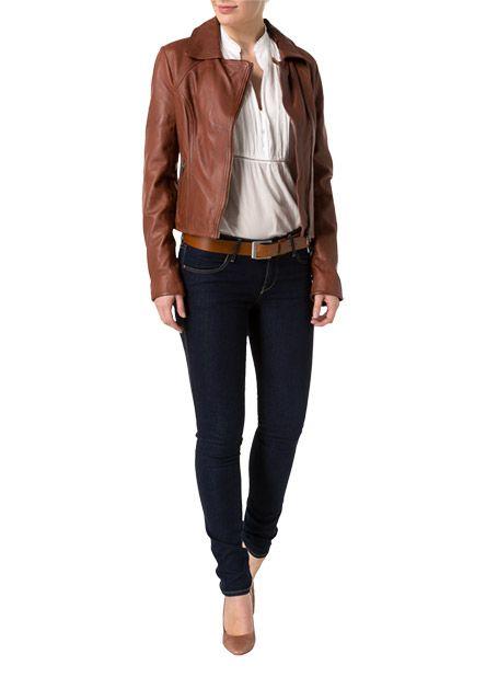 Extra weiches Leder, schöne Farbgebung und der modische Biker-Look machen diese Lederjacke des Labels 0039 ITALY zu einem absoluten Trendteil der Saison.