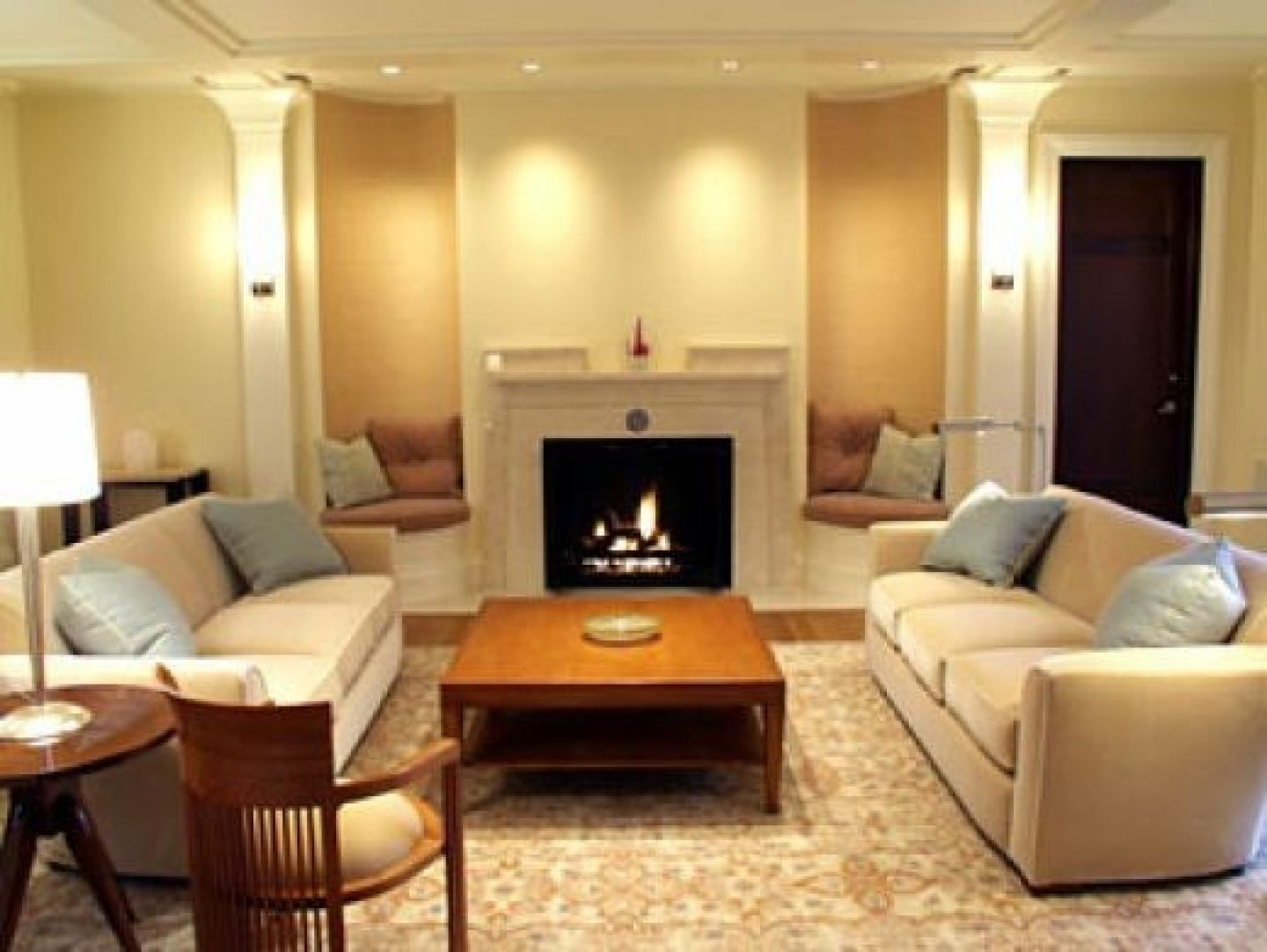Interior: Top Notch Interior Living Room Decoration With Square ...