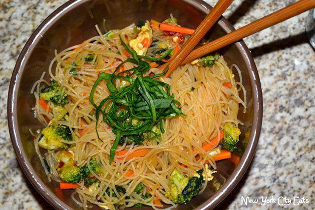 vegetable chow mei fun is as popular as singapore mei fun