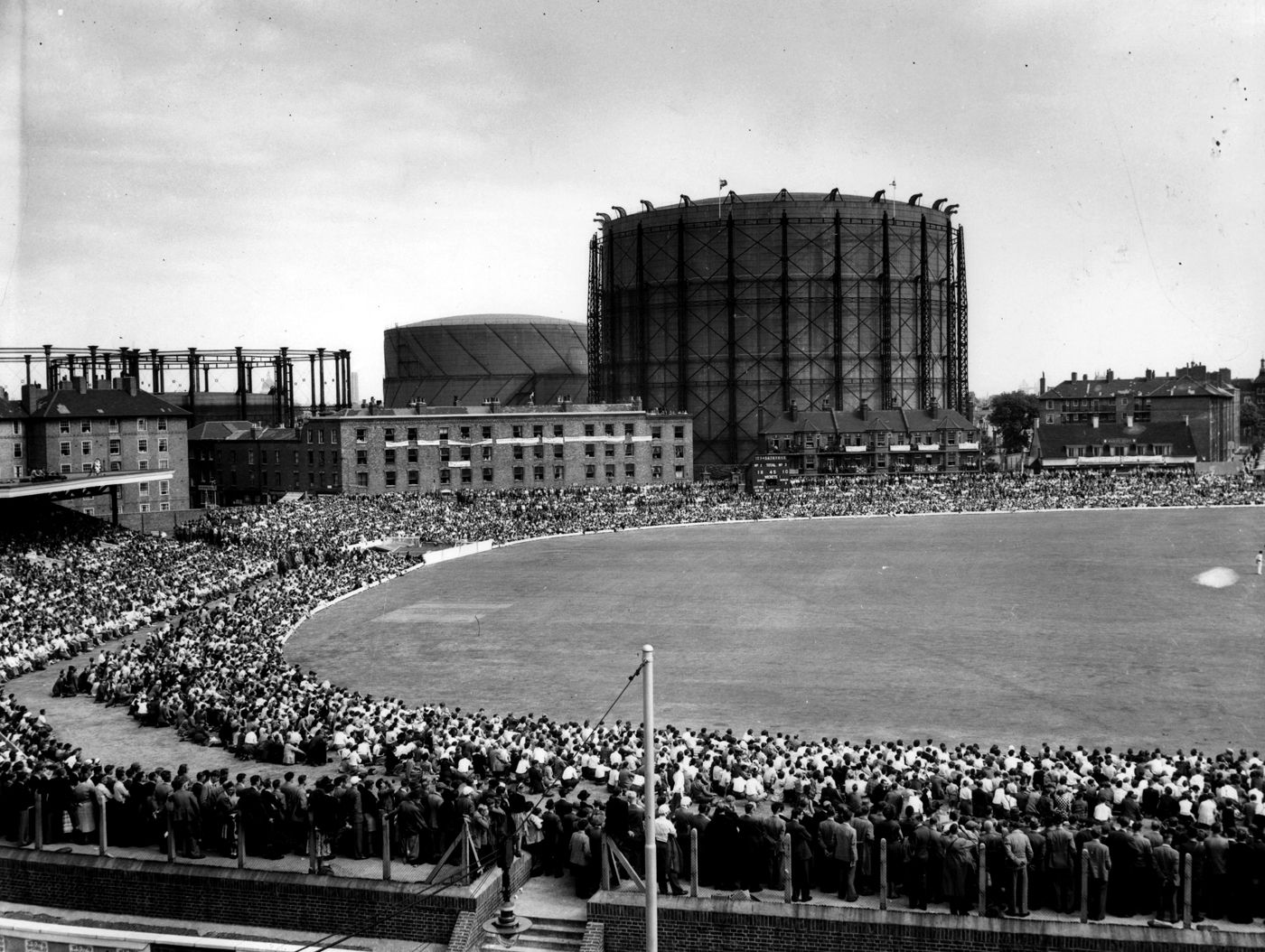 Iconic Cricket Grounds Then And Now Famous Sports Cricket West Indian
