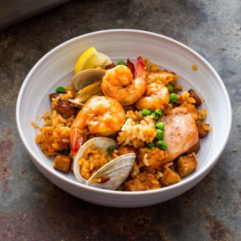 paella on the grill america s test kitchen holiday entertaining rh pinterest com