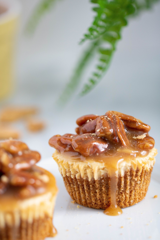 Delicious Pecan Pie Cheesecake Bites #pecanpiecheesecakerecipe