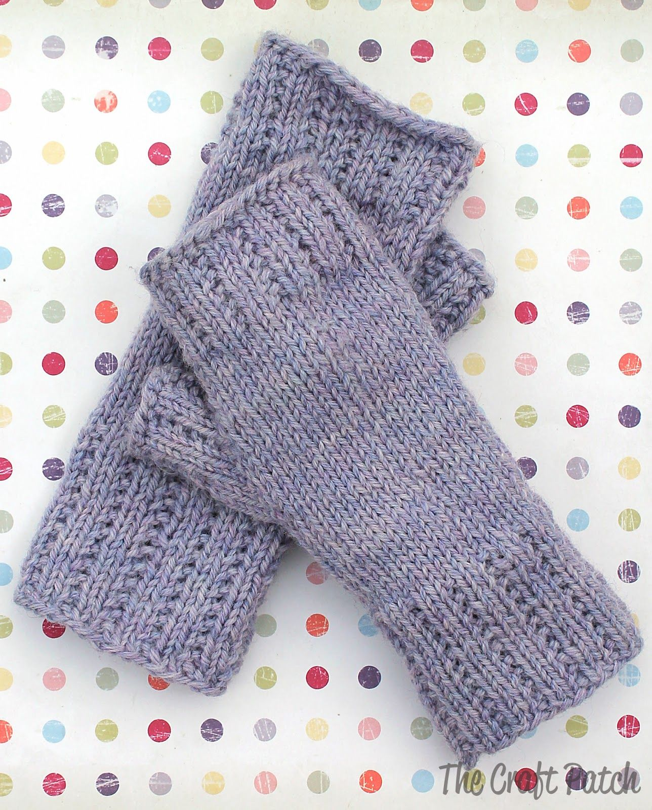 How to knit fingerless gloves. These are so cute! Love the broken ...