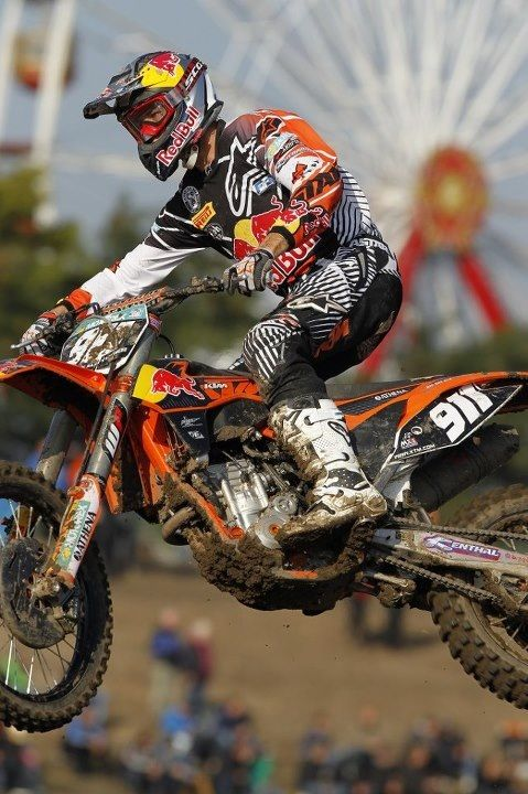 I love motorcross. Please check out my website thanks. www.photopix.co.nz