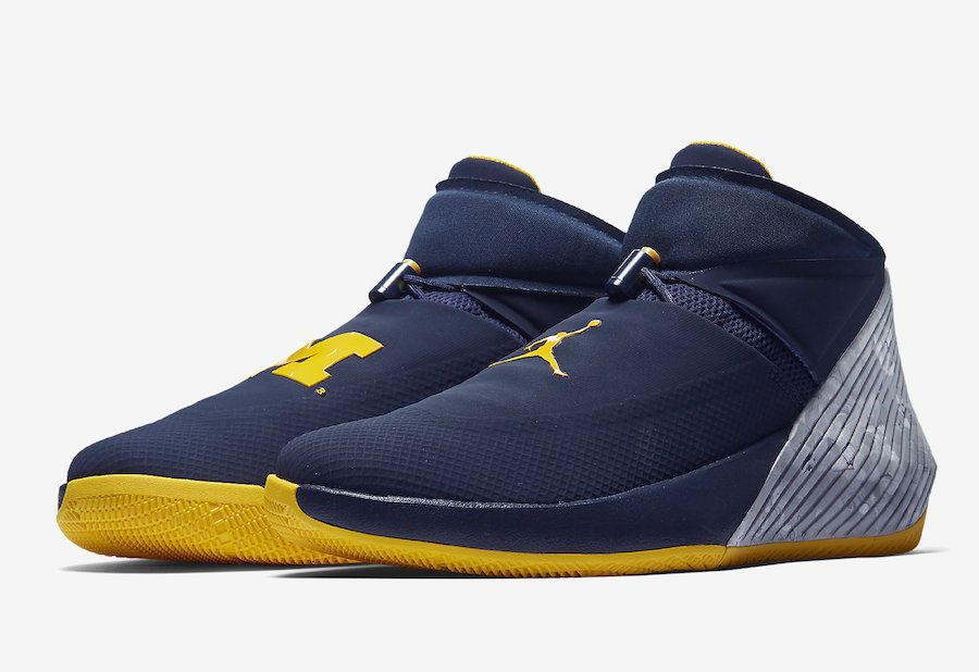 9f84ae0e80d839 Jordan Why Not Zero.1 Michigan Mens Basketball Shoes 10 Navy Russell  Westbrook  Jordan  BasketballShoes