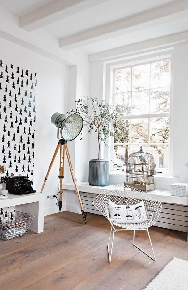 scandinavian interior Light in corner on
