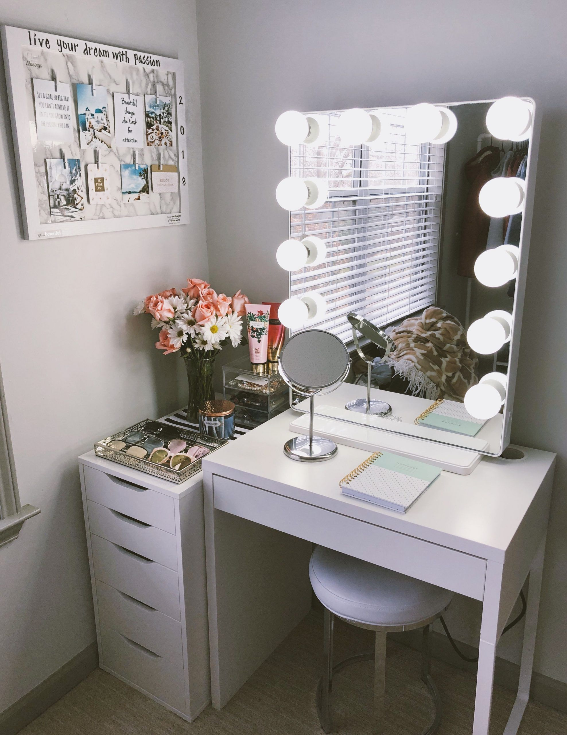 Cute Vanity Set Up Perfect For Small Places I Purchased The Mirror From Impress Cute Impress Mirror Perfe In 2020 Stylish Bedroom Vanity Set Up Room Inspiration