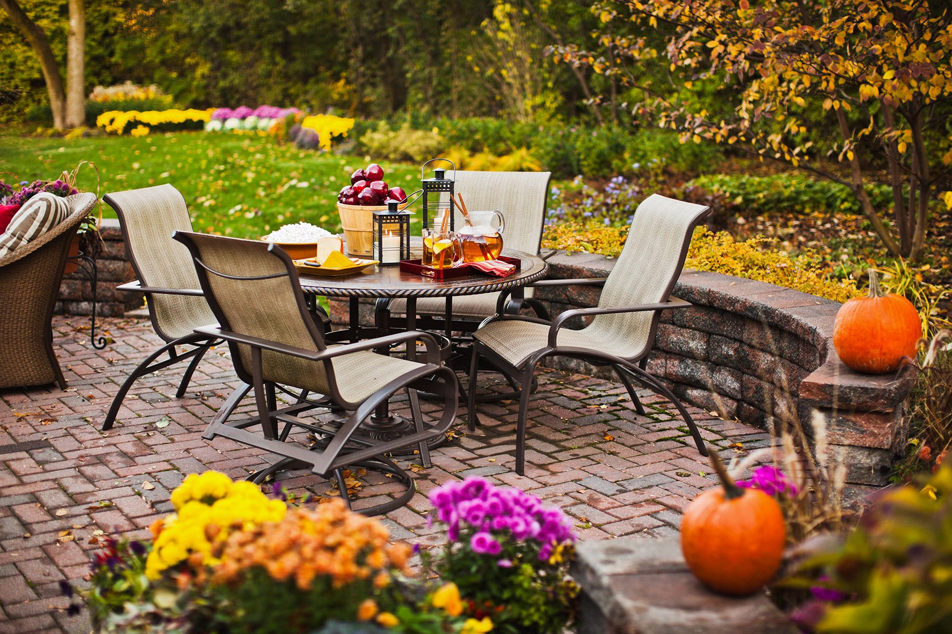 16 Landscaping Ideas for Designing a Beautiful Yard with ...