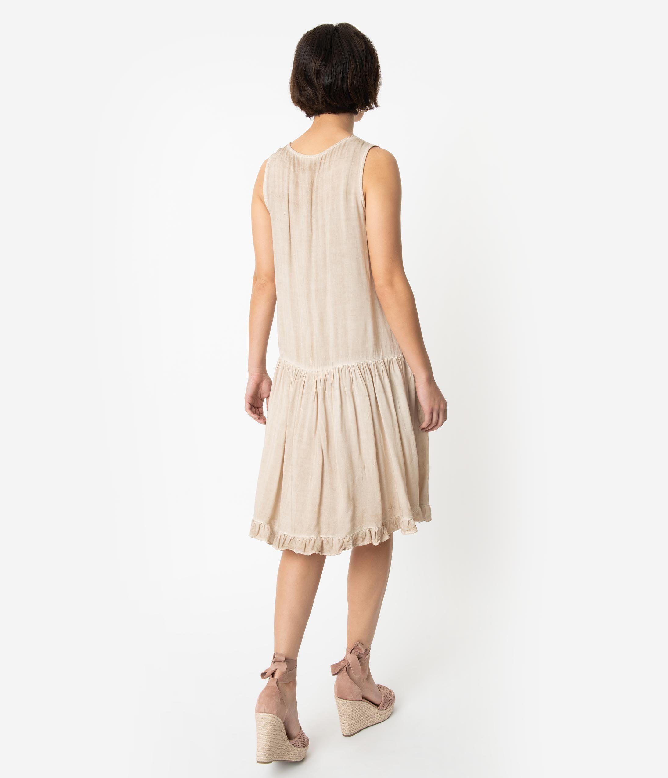 1920s Style Pink Embroidered Sleeveless Keyhole Back Drop Waist Dress Unique Vintage Dropwaist Dress Flapper Dress Drop Waist Dress 1920s [ 2550 x 2190 Pixel ]