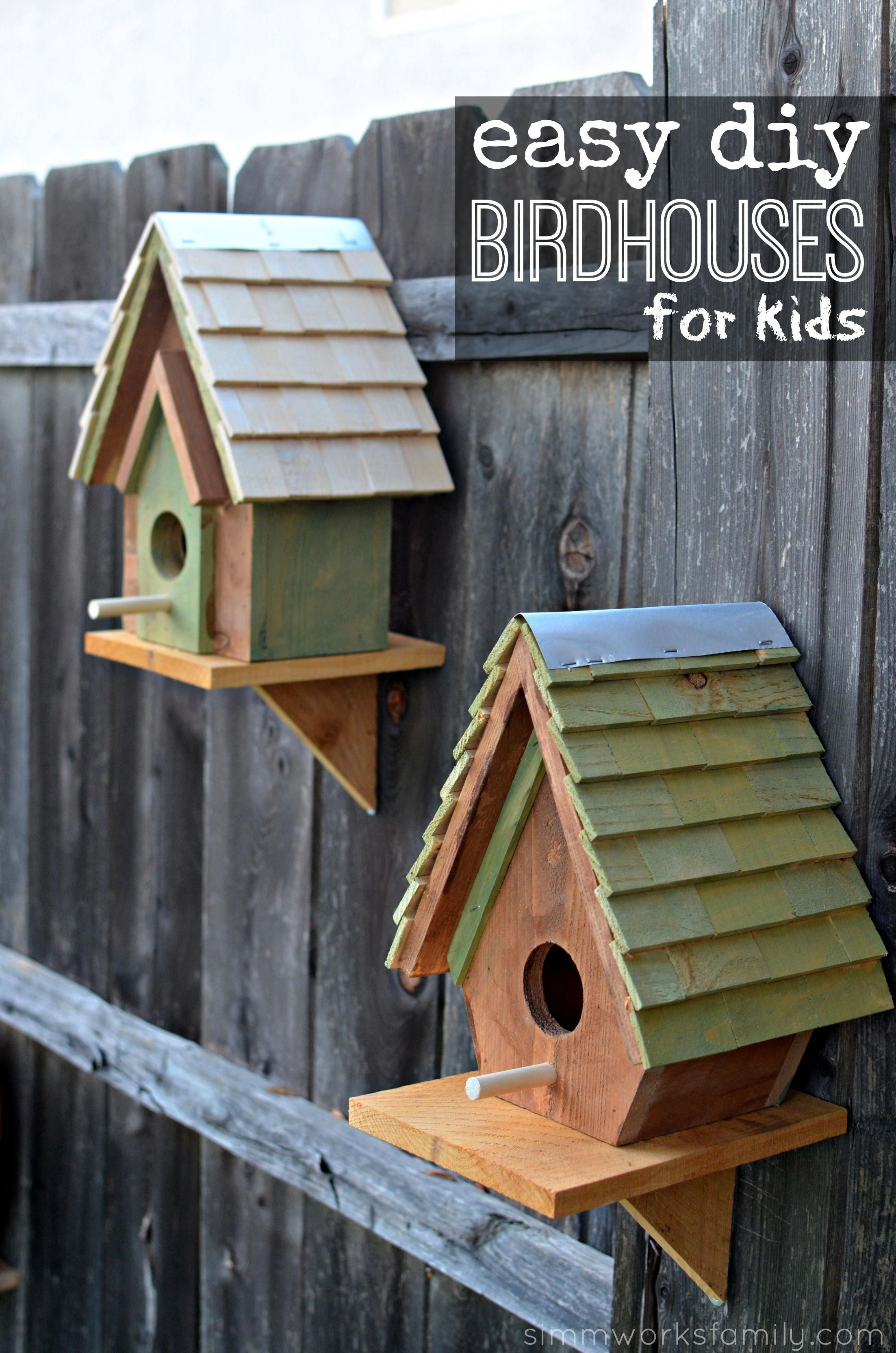 The Perfect Intermediate Project To Get Your Kids Involved In Woodworking These Diy Birdhouses Bird Houses Diy Easy Woodworking Projects Diy Cool Bird Houses