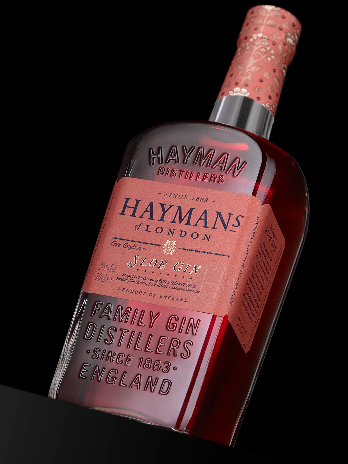 Hayman S Of London Is A British Favorite With A Typographically Driven Bottle Cigars And Whiskey Hayman S Gin Gin