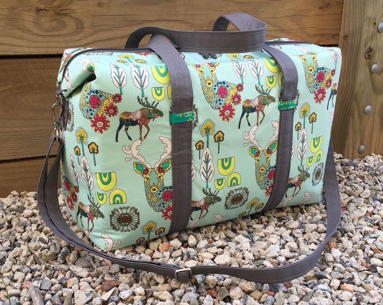 Sew Sweetness Emblem Duffle Bag sewing pattern, sewn by Melisa Jane ...