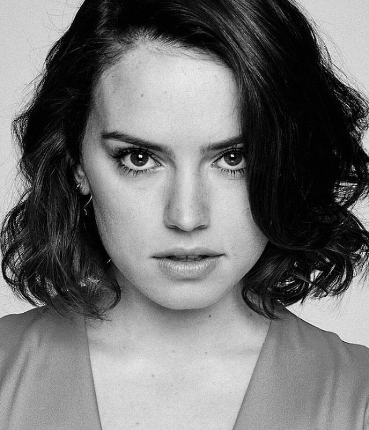 Ms. Daisy Ridley: kicking ass as the lead Jedi in the new Star Wars films