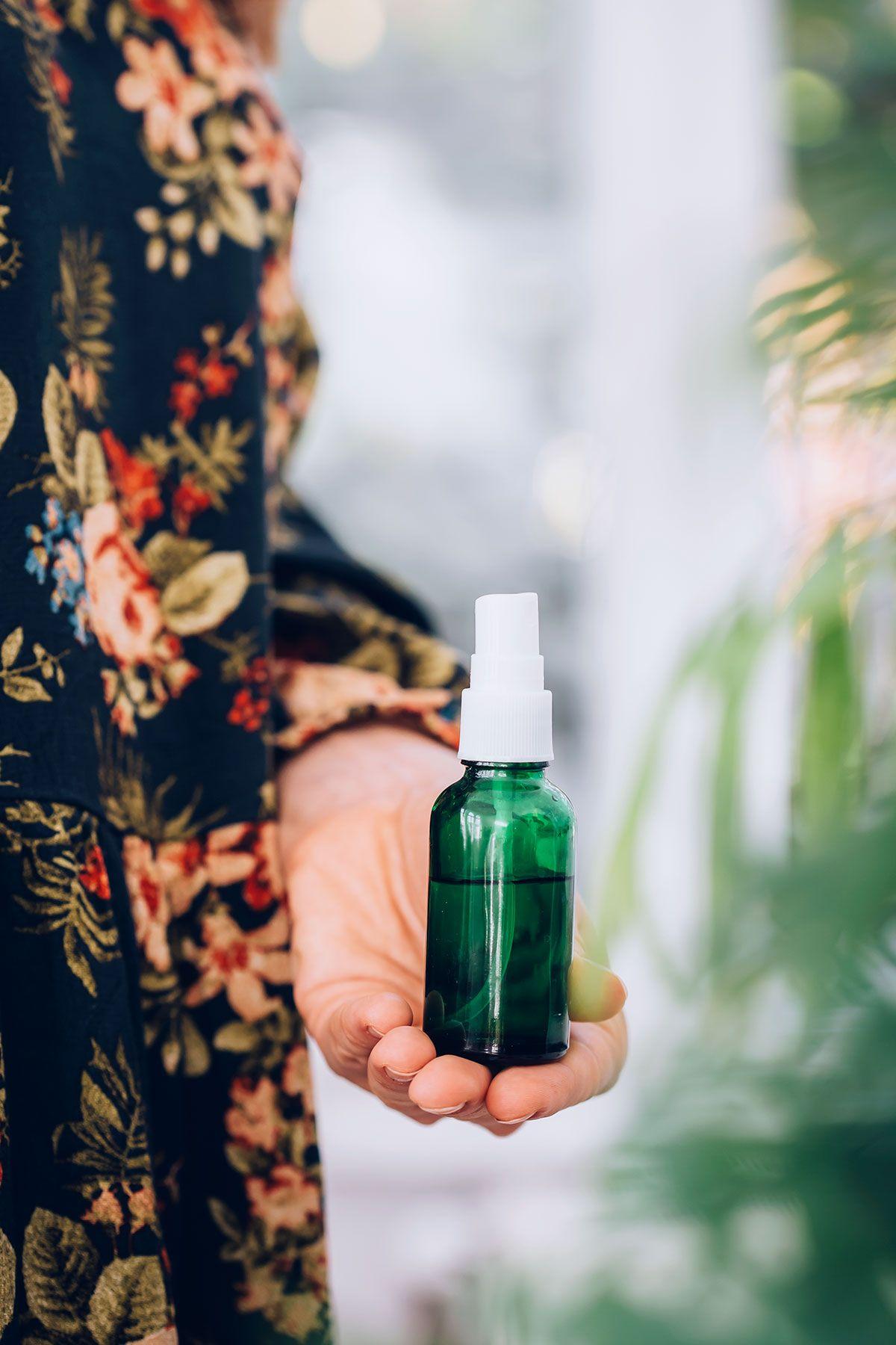 3 ways to repel bugs naturally homemade bug spray