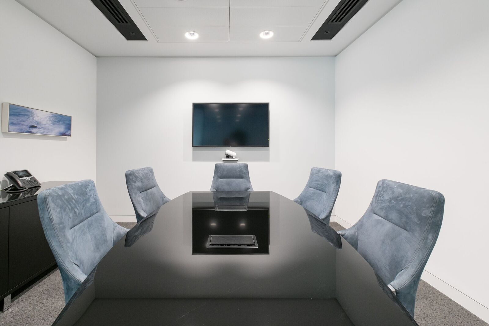 Meeting Room Design By Advanced Interior Solutions, London.