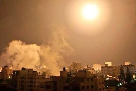 Twitter / Dr. Bassel Abuwarda: I've never seen such heavy bombardments before. 100% i am going to DIE , said GOODBYE to everyone #GazaUnderAttack