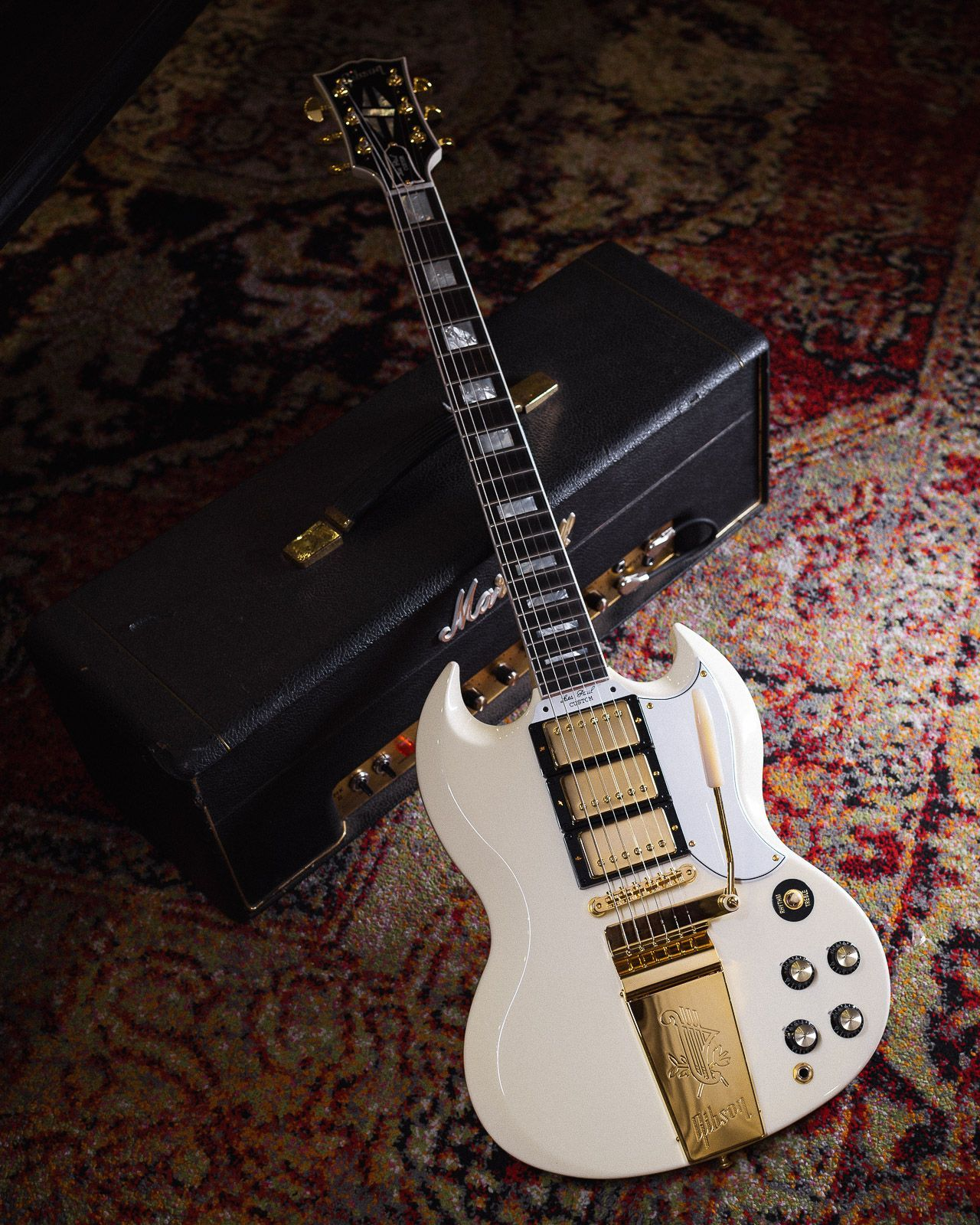 Gibson Custom 1963 Les Paul Sg Custom Reissue W Maestro Classic White Vos Serial 091621 In 2020 Gibson Gibson Custom Shop Maestros Classic