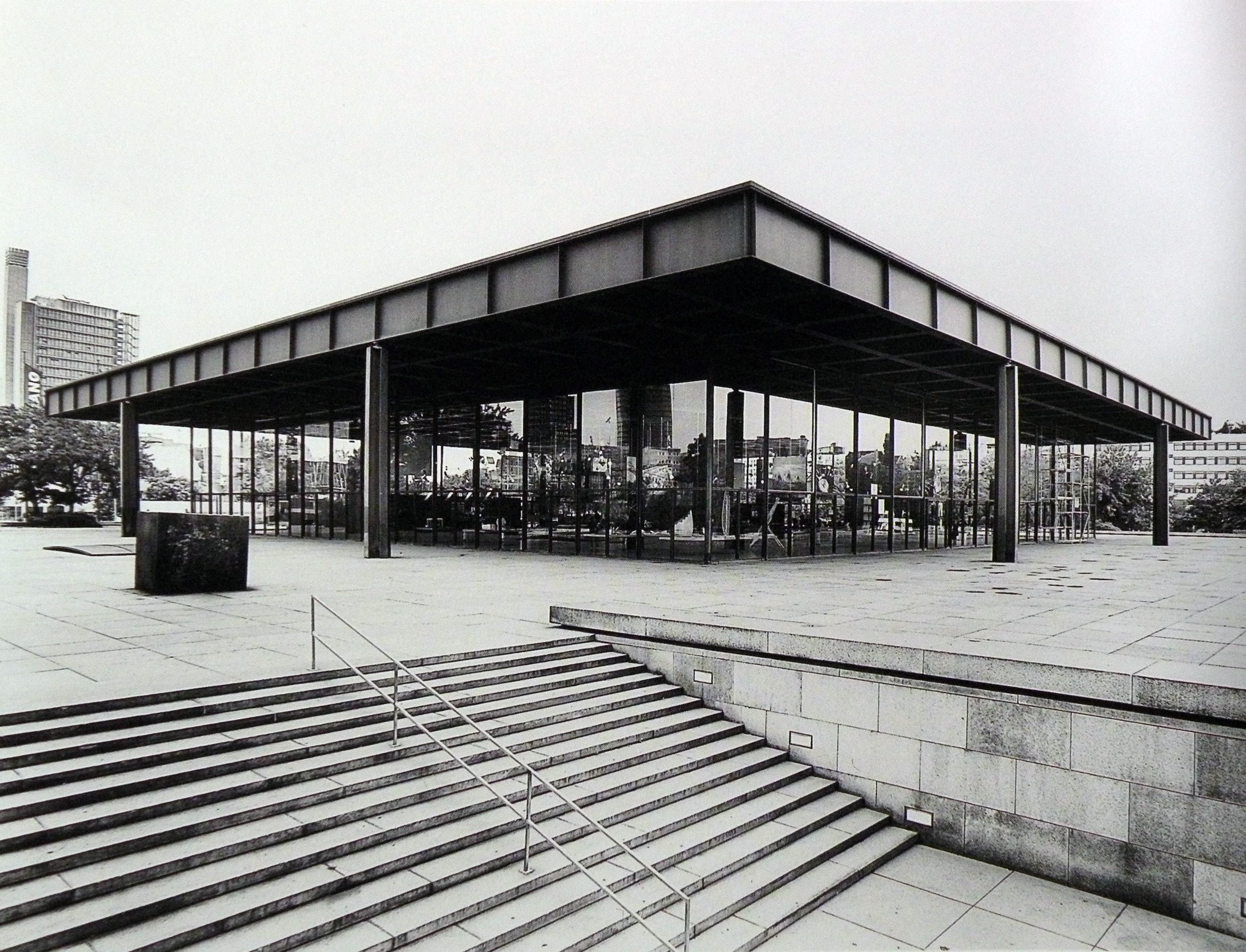 mies van der rohe neue nationalgalerie berlino 1962. Black Bedroom Furniture Sets. Home Design Ideas