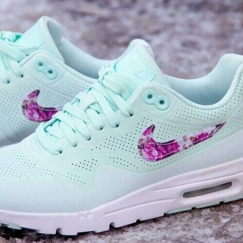 Image de nike, shoes, and flowers