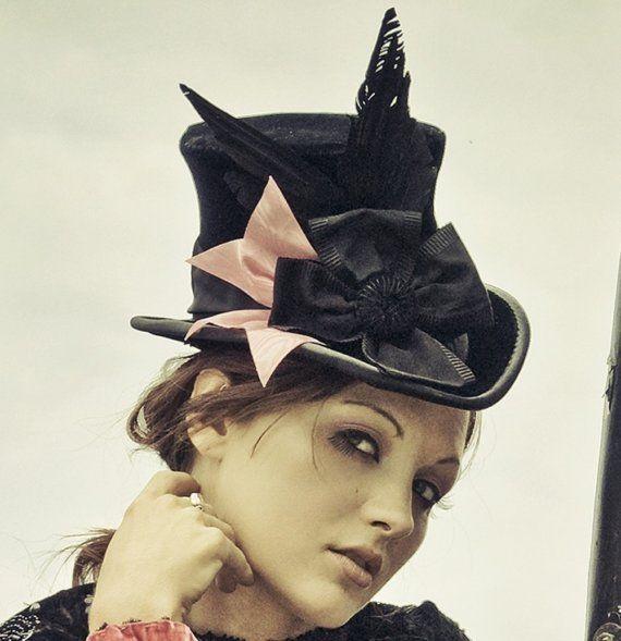 Victorian Top Hat In Velvet - The Beaux