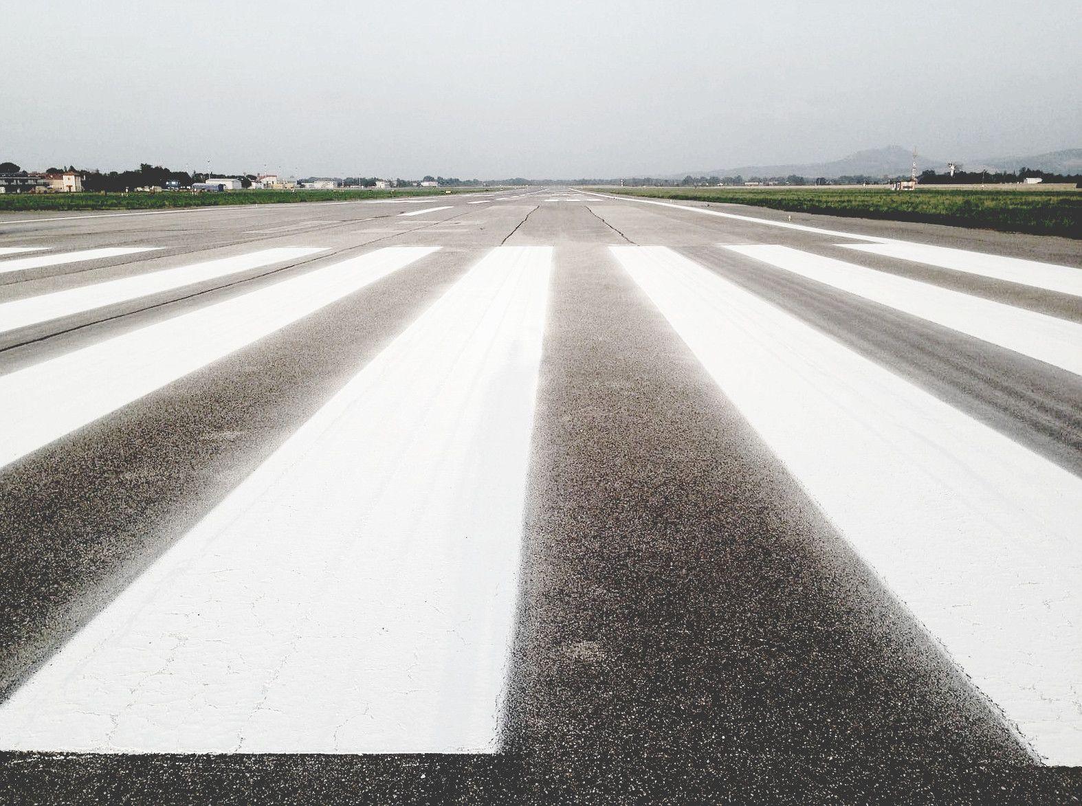June 2016 freshly painted, dazzling runway markings