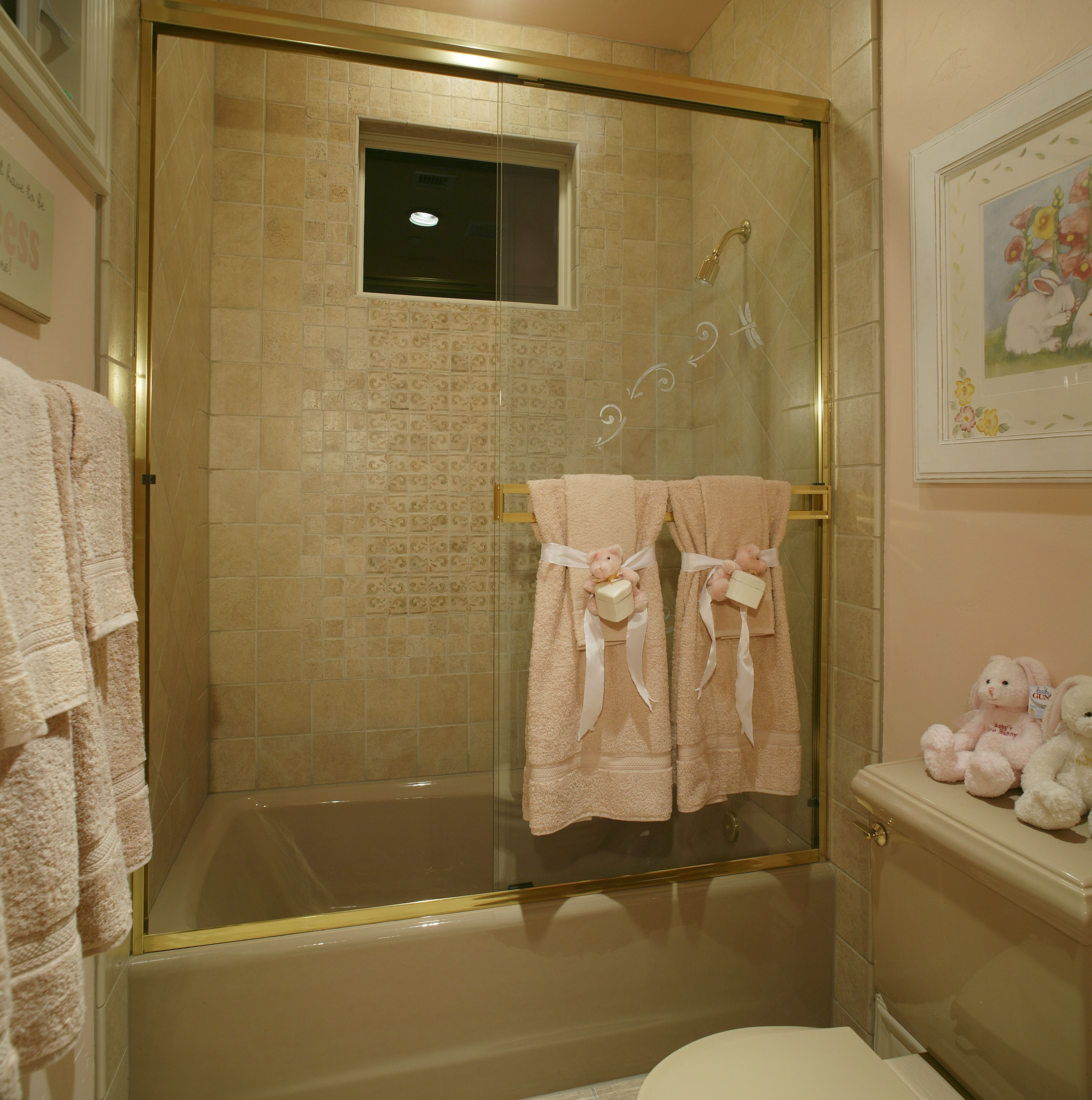 flooring ideas for small bathrooms%0A Just because you have a small bathroom  it doesn u    t mean you have to