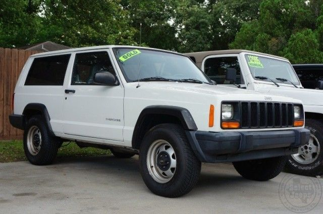 Sold Hard To Find Manual 2 Door Cherokee Call 281 338 1989 If Your Are Looking For Something In Particular Jeep Suv Jeep Xj Jeep Truck