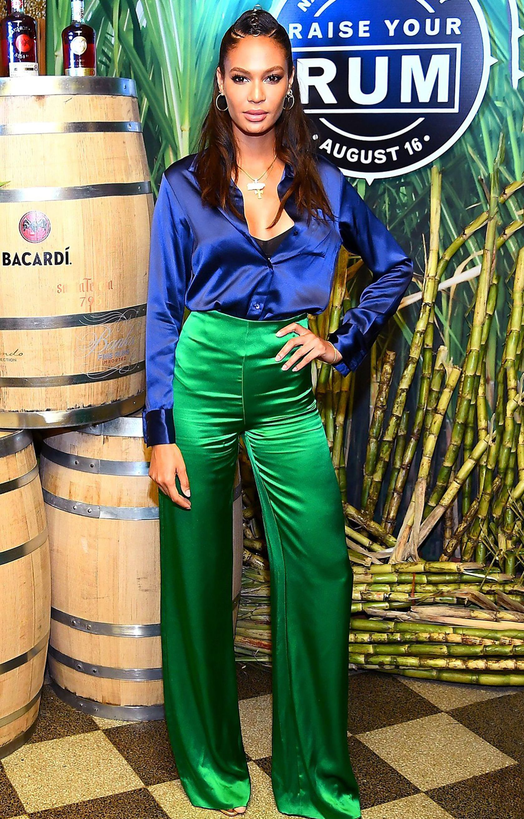 bd29048106f Sydne Style how to dress like joann smalls in navy and emerald  joannsmalls   colorblock