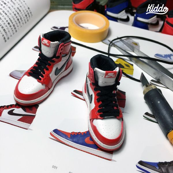 Incredibly Detailed Miniature Replicas Of Nike Air Jordans, Famous Sneakers