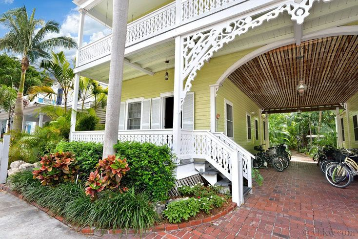 carriage house cottage key west rentals key west rental cottages rh pinterest com
