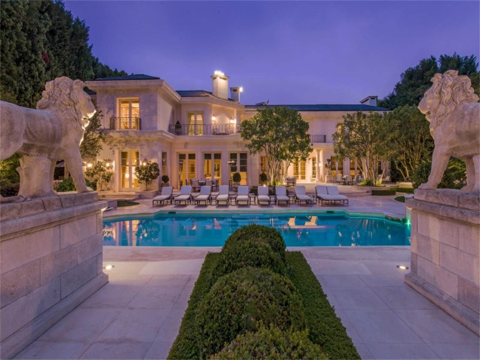 Exotic Homes view this luxury home located at 825 north whittier drive beverly
