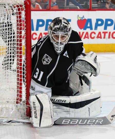 Denver Vs Kings: FEBRUARY 04: Peter Budaj #31 Of The Los