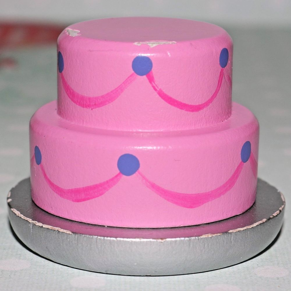 Barbie doll house kitchen pink birthday cake diorama