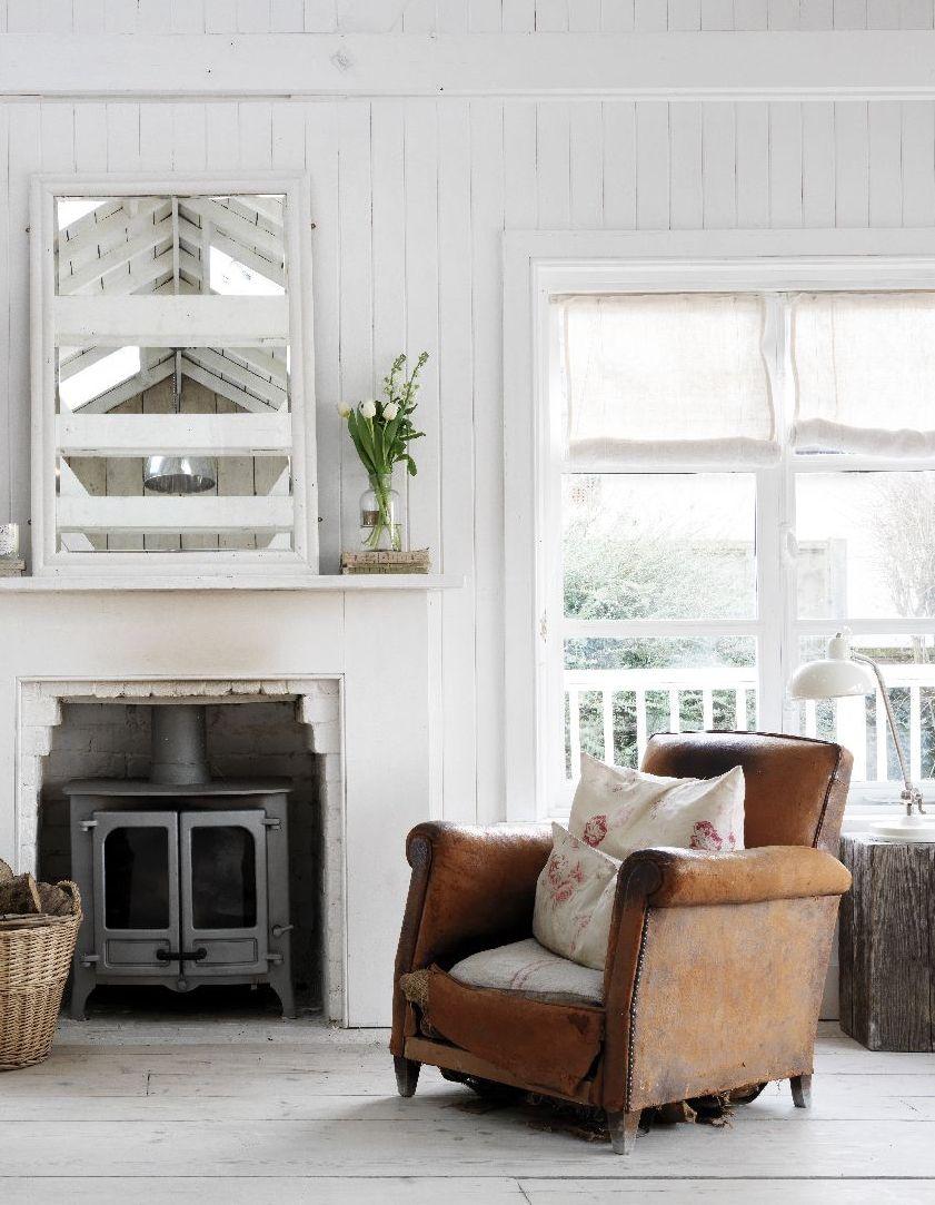 we love seaside interiors living room coastal living rooms rh pinterest com
