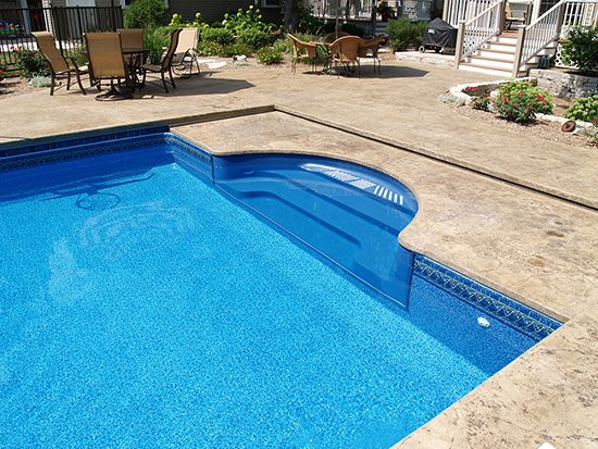 This Blue Granite Step Gives The Pool A More Seamless Look When Compared To A Blue Liner With A White Step Only Alpha Pool Steps Swimming Pool Pictures Pool