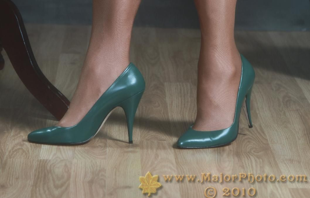 "Green Lola high heel pumps-4"" heel."