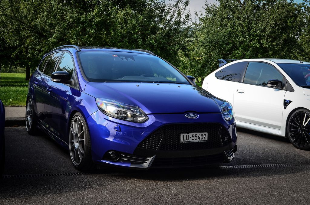 blue ford focus st mk3 with grey big rims ford focus st tuning. Black Bedroom Furniture Sets. Home Design Ideas