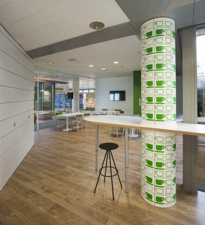 Inside Microsoft S New Madrid Office 3g Office Office Snapshots Pillar Design Creative Office Space New Madrid