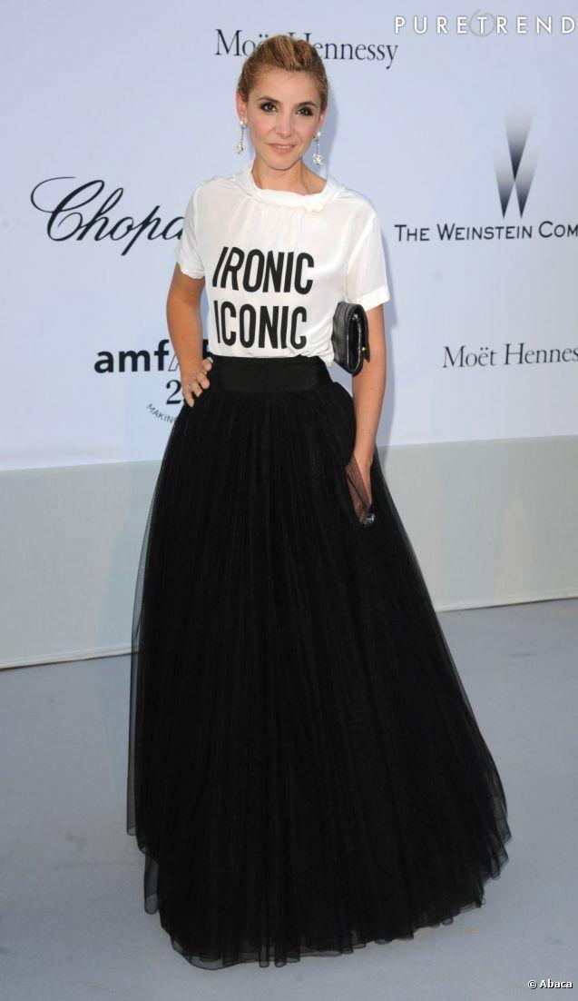 plus de photos c1fe6 739ed PHOTOS - La belle porte une jupe longue en tulle qu'elle ...