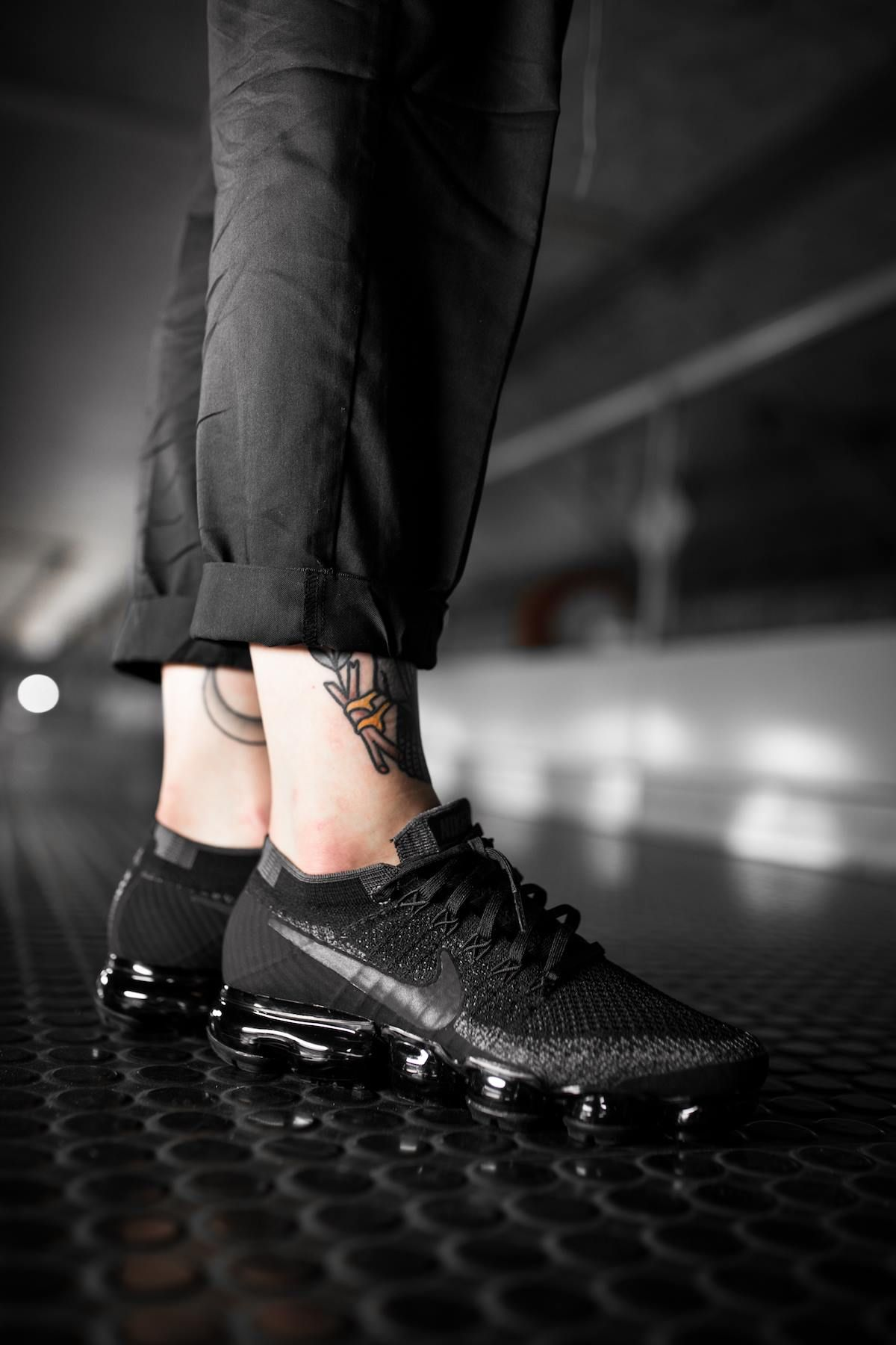 49bd00f47 Nikelab Air Vapormax Flyknit 'Triple Black' (899473-003) - KICKS-DAILY.COM