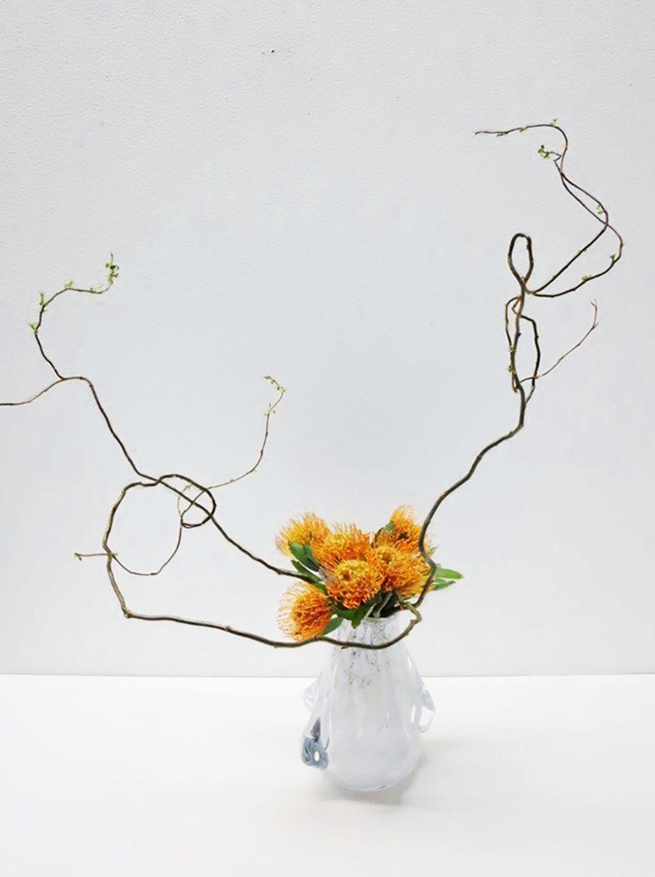 Ikebana art in glass vases exhibition 1 422018