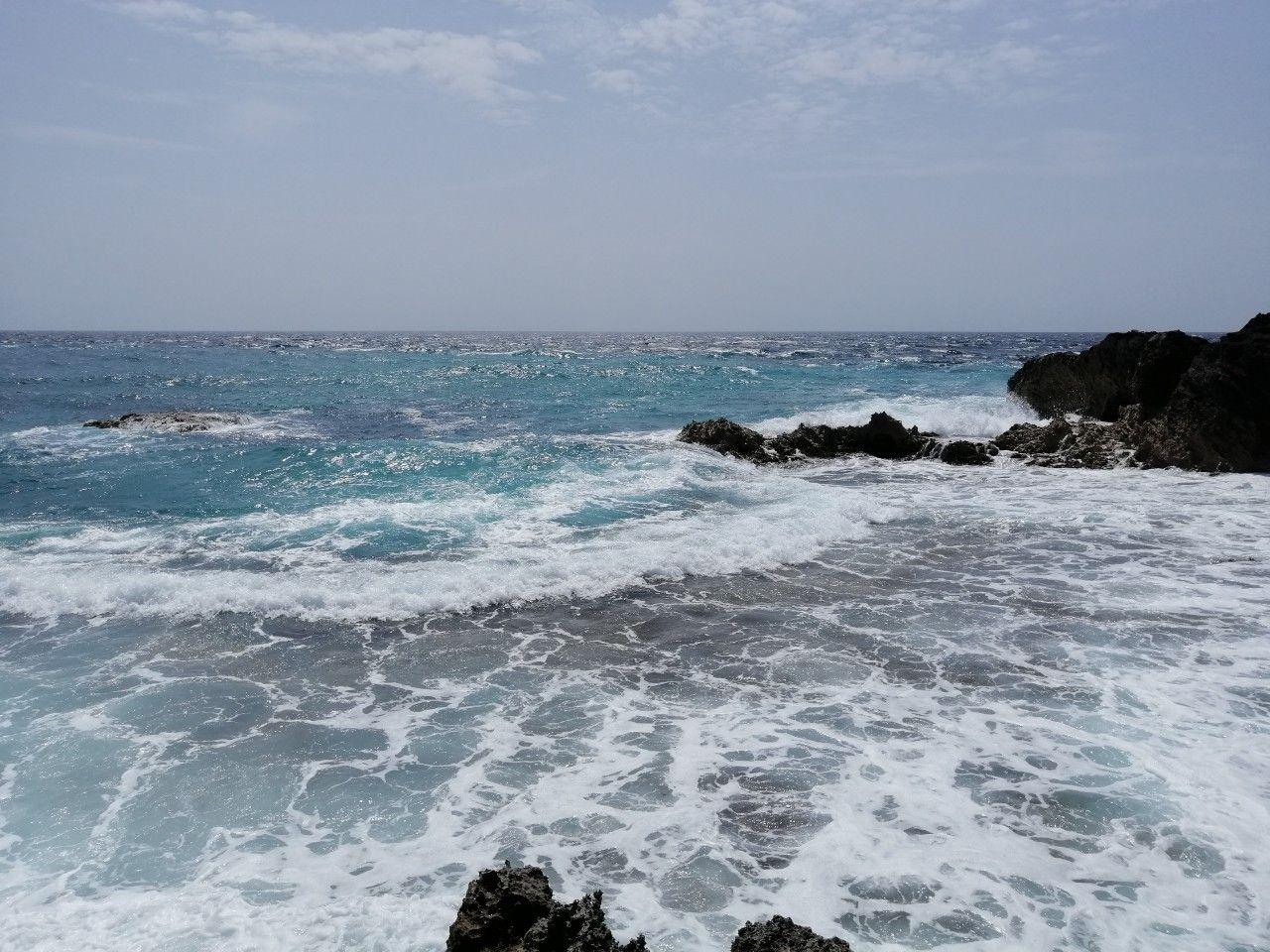 Sueno Azul Un Refugio Familiar En Costa Esmeralda Casa De Playa Ventanales Corredizos Cocinas De Casas De Playa