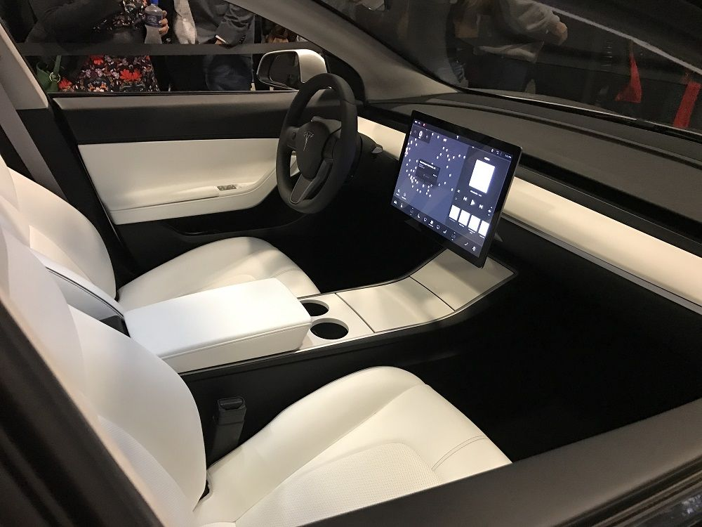 tesla model 3 la berline lectrique conservera t elle sa face avant rh pinterest com